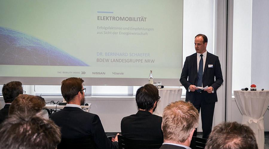 Dr. Bernhard Schaefer vom BDEW als Redner in Hagen