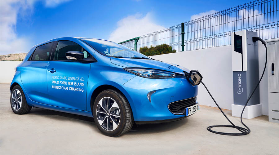 Renault Zoe at fast charging station on Porto Santo