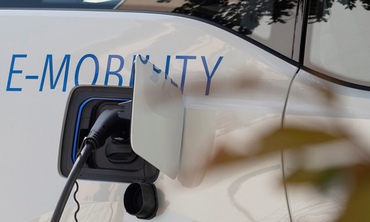 LEW and The Mobility House implement joint projects in the field of electric mobility