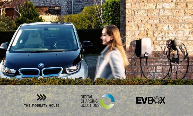 Ladelösung aus einer Hand: Digital Charging Solutions (DCS), EVBox Group und The Mobility House bündeln Angebote für Flotten- und Leasingkunden
