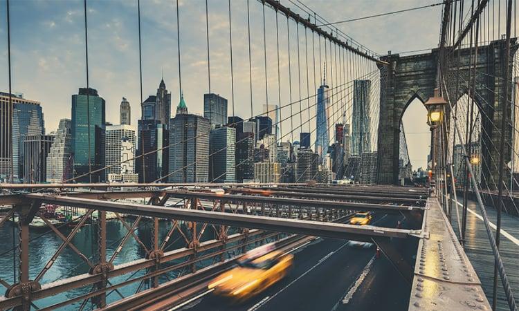 New York City und Berlin machen es vor: Wie Flottenmanager mit Elektroautos Kosten sparen
