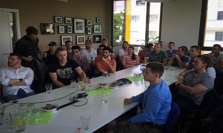 Wuppertaler Elektrotechnik Studenten zu Gast in der The Mobility House Zentrale