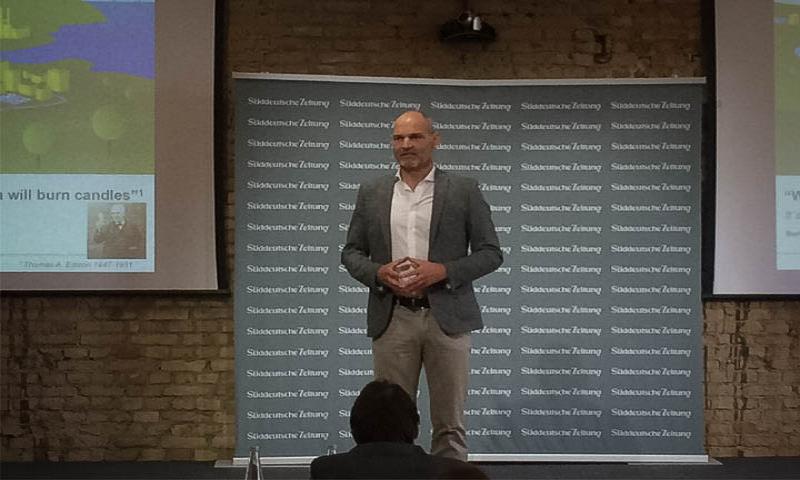 """Thomas Raffeiner bei der 1. SZ-Impulstagung mit dem Motto """"Smart, digital und vernetzt"""""""