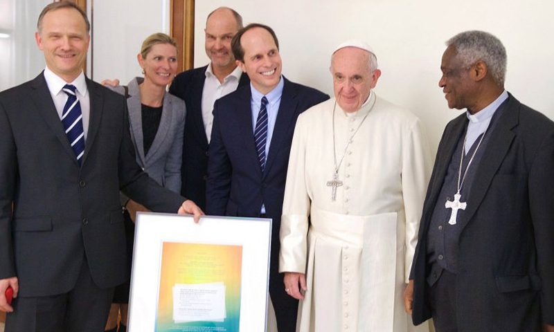 Pope Francis drives an electric car – Vatican to become the 1st zero-emission state