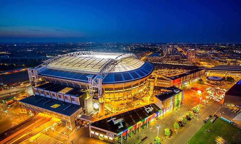 The Mobility House, Nissan und Eaton steigern die Energieeffizienz der Amsterdam ArenA