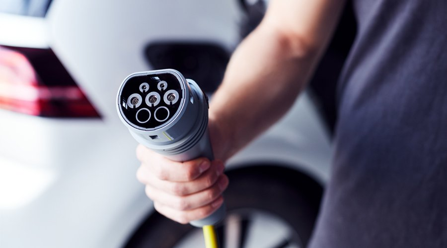 New incentives and better infrastructure: legislators make electric cars increasingly attractive