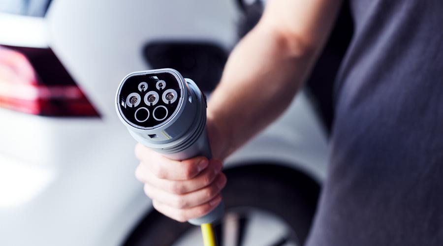 Mehr Förderung, bessere Infrastruktur: Gesetzgeber macht Elektroautos immer attraktiver