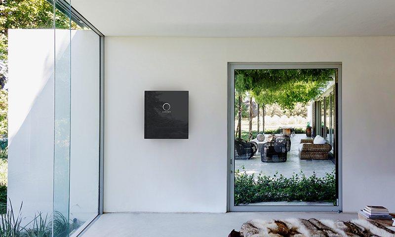 sonnen bietet mit The Mobility House eine Kombination von Heimspeicher und Ladestation für Elektrofahrzeuge
