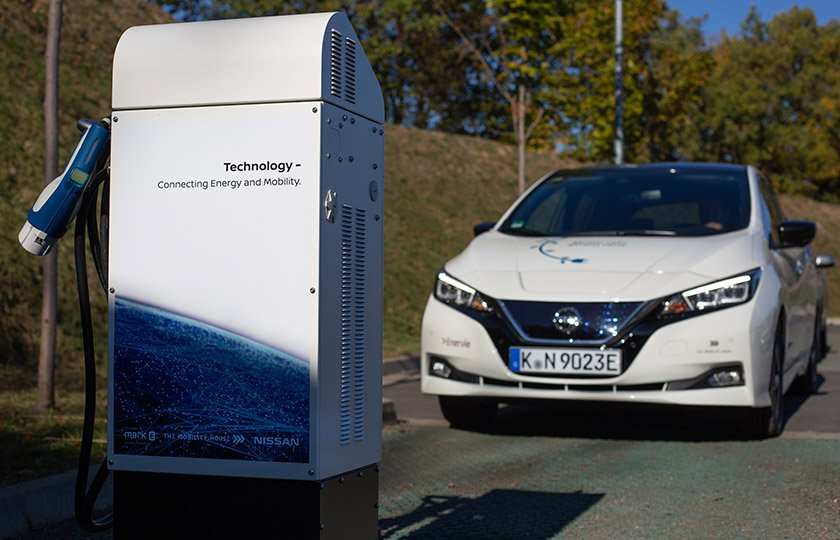 Nissan LEAF an der V2G Ladesäule in Hagen