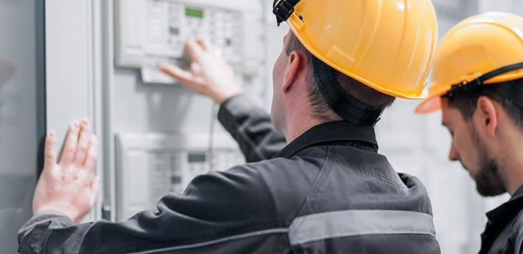 Überprüfung der Elektroinstallation beim Standortcheck